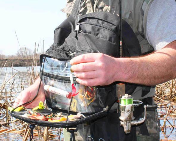 Рыбзак 1 Рюкзак для рыбалки. Рюкзак с удобным механизмом (слинг) который позволяет не снимая рюкзак перемещать его со спины на живот и обратно.